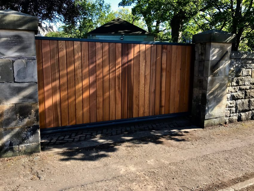Automatic Wooden Driveway Gate Installed in Edinburgh