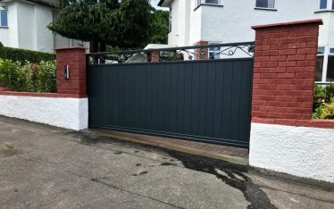 Automatic Cantilever Sliding Gate Installed in Edinburgh