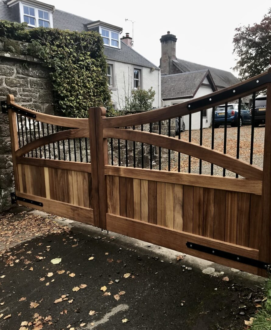 Wooden Driveway Gate Installed in Stirlingshire Scotland