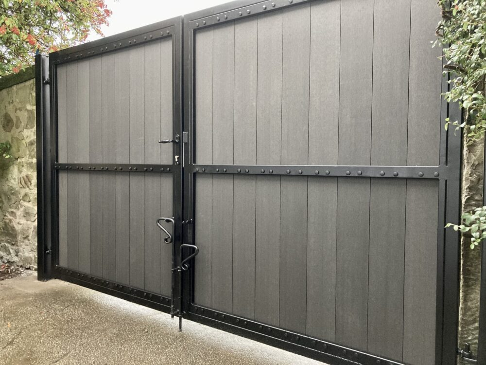 AES (SCOTLAND) LTD recently installed manual composite driveway gates in Edinburgh