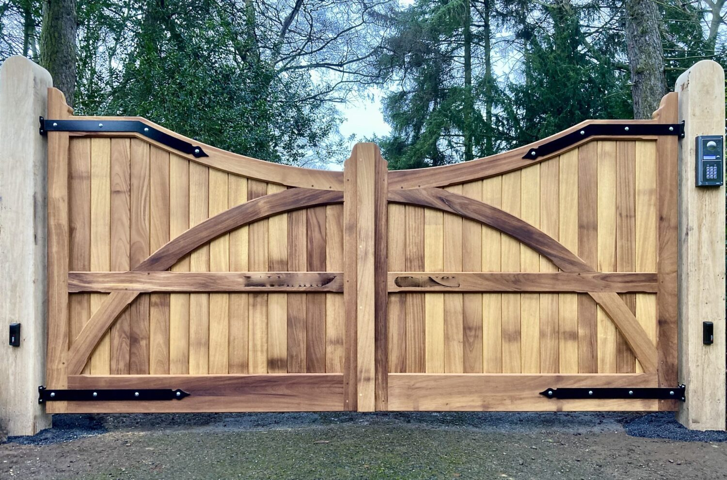 AES (SCOTLAND) LTD recently installed automatic Iroko gates hung from Oak posts Edinburgh