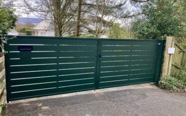 AES (SCOTLAND) LTD recently installed manual aluminium driveway gates Edinburgh, Scotland