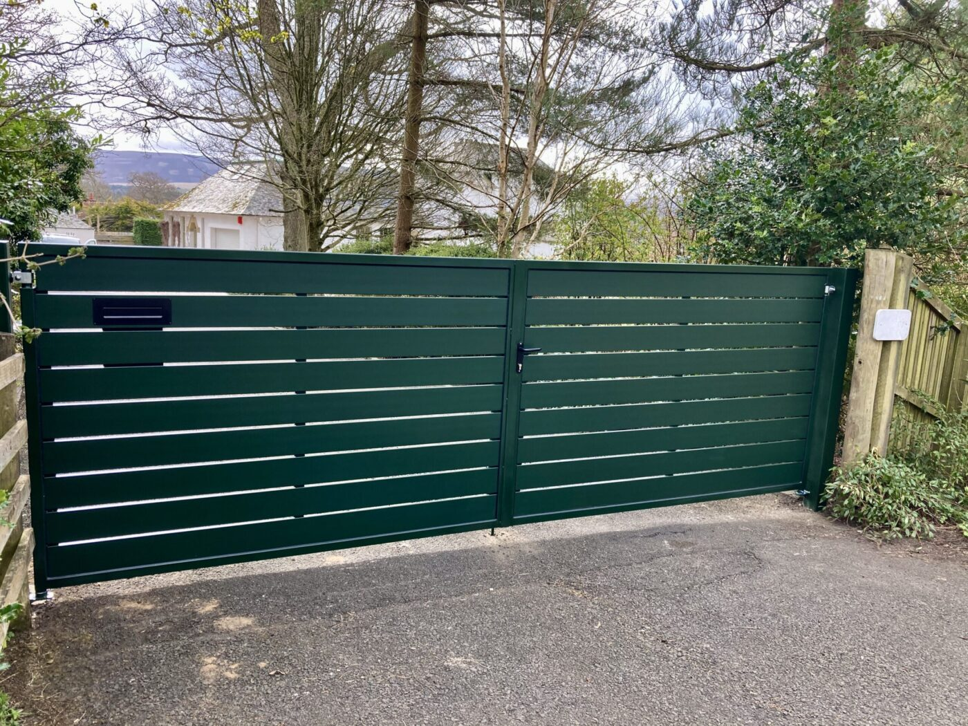 AES (SCOTLAND) LTD recently installed manual aluminium driveway gates Edinburgh, Scotland